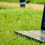 ¿Existen límites al control del uso del ordenador facilitado al trabajador por el empresario?